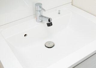 洗面所の水漏れ、つまりトラブル